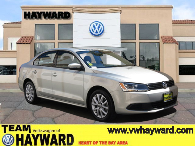 2012 VOLKSWAGEN JETTA 25L SE SEDAN silver 5-cyl 25 liter automatic certified    leather  p